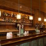 La barra restaurada del Bar Moka